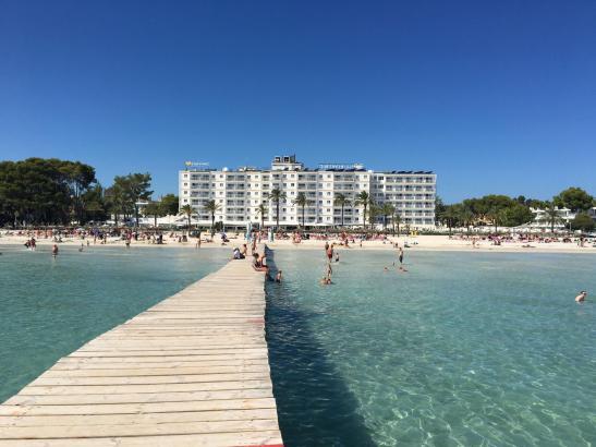 Skandinavier urlauben gerne im Norden von Mallorca, zum Beispiel im Hotel Sunwing Alcúdia Beach.
