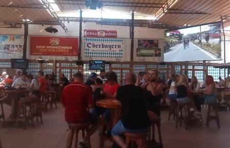 Der erste Tag der Wiedereröffnung des Kultlokals Bierkönig.