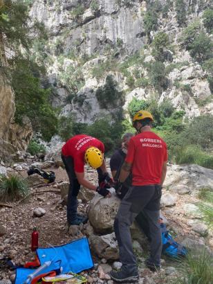 Rettungskräfte im Einsatz.