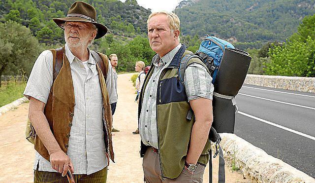 """Harald Krassnitzer (r.) und Michael Gwisdek spielten die Hauptrollen in """"Familie Wöhler auf Mallorca""""."""
