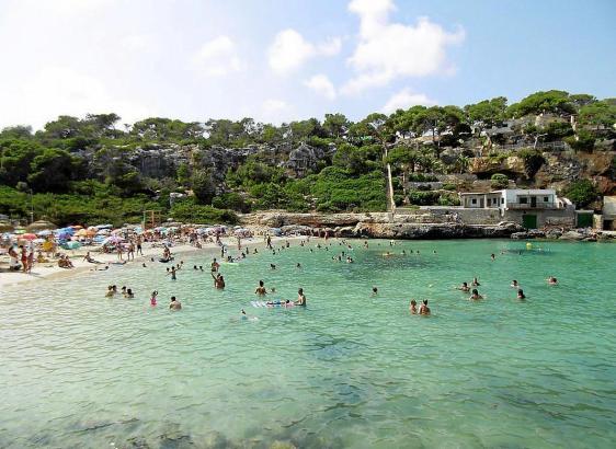 Die Buchten um Santanyí laden in diesen Tagen zu einem erfrischendem Bad ein.