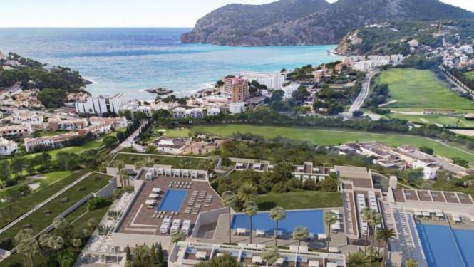 Das neue Luxusresort befindet sich in grüner Umgebung in Camp de Mar.