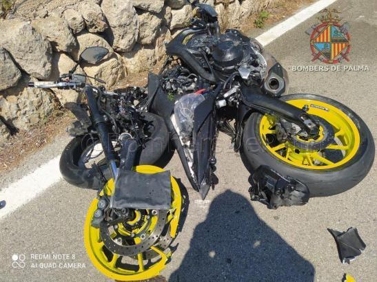 Blick auf das Unfall-Motorrad.
