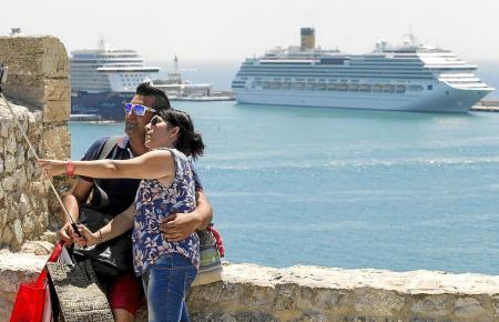 Blick in den Hafen von Palma in Vorcoronazeiten.