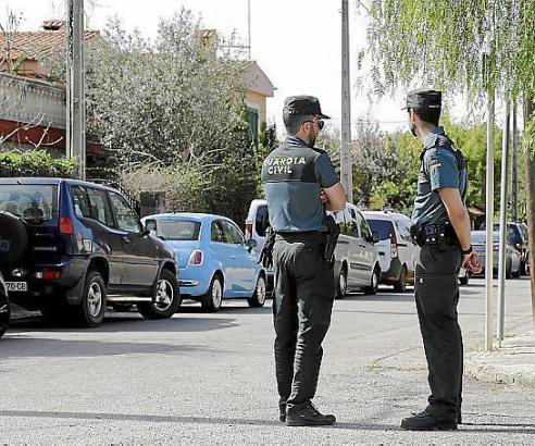 Beamte der Guardia Civil im Einsatz in Santa Ponça.