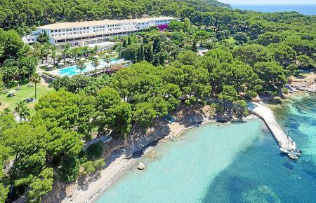 Paradiesisches Areal: Blick auf das Hotel Formentor.