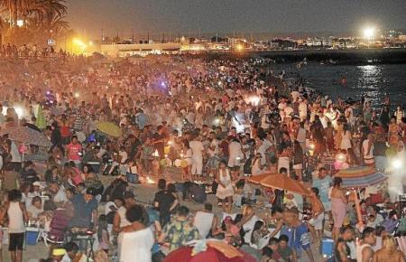 """So sah es früher während der """"noche de San Juan"""" auf den Stränden von Palma aus."""