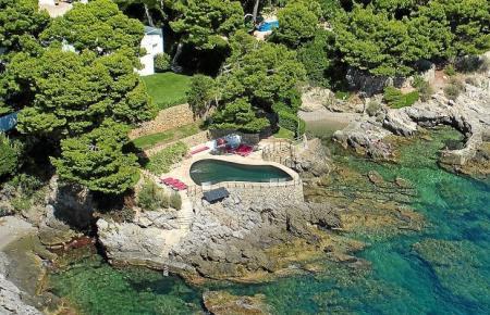 So sieht der Pool aus der Luft betrachtet aus.