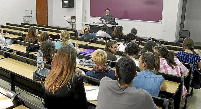 Derzeit reisen viele Schüler nach Mallorca, um ihren Abschluss zu feiern.