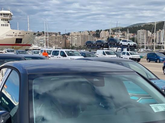 Mietwagen im Hafen von Palma de Mallorca.