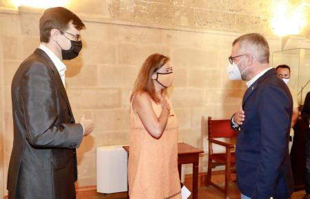 Minister Michael Roth traf in Palma mit seinem spanischen Amtskollegen Juan González Barba (l.) und der balearischen Ministerpräsidentin Francina Armengol (M.) zusammen.