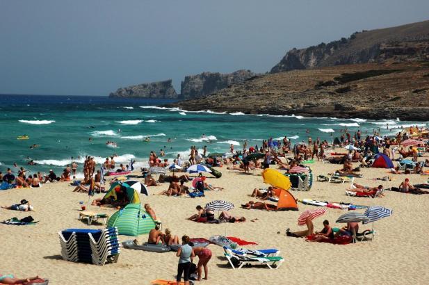 Die Badebucht Cala Mesquida befindet sich im Inselosten.