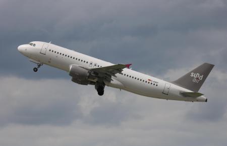 Ein Airbus A320-200 von Sundair.