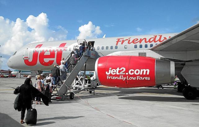 Jet2.com ist eine der Billig-Airlines, die britische Urlauber auf die Balearen und wieder zurück in die Heimat bringen.