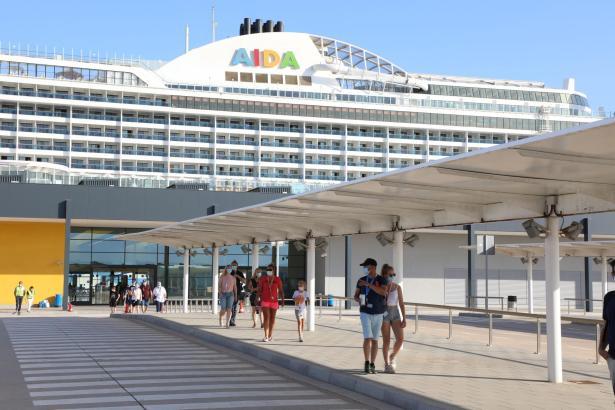 Die Aida Perla am Samstag im Hafen von Palma.
