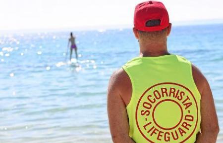 An vielen Stränden auf Mallorca sind sie aktiv: Rettungsschwimmer bewachen von Frühjahr bis Herbst die Badeplätze.