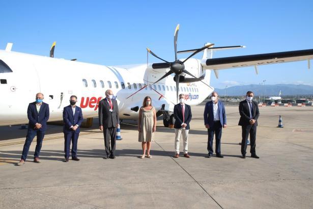 Die neue Fluglinie wurde am Freitag von der Balearen-Präsidentin Francina Armengol in Empfang genommen.