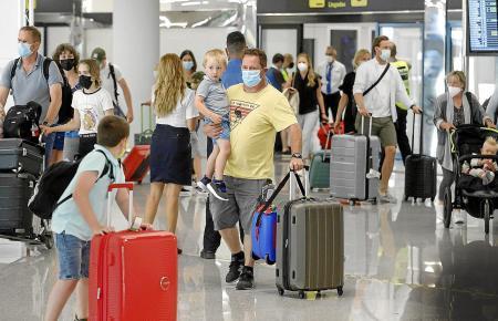 Viele britische Familien nutzten die Sommerferien, um nach Mallorca zu reisen.