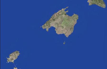 Mallorca und die Nachbarinseln vom All aus betrachtet.