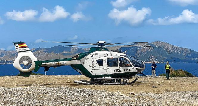 Der Hubschrauber der Guardia Civil, der an der Suche beteiligt war.