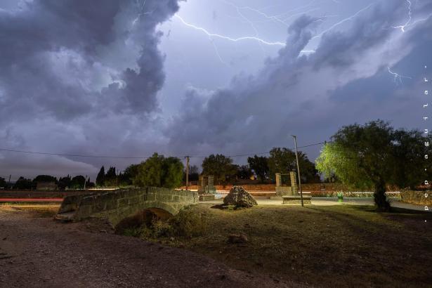 Wetter-Fotografen wie Pep Aguilar, der dieses Foto machte, hatten Freude an den Gewittern