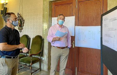 Der Stadtrat für Bauwesen und Stadtplanung, Jaume Bestard, stellte gemeinsam mit Bürgermeister Carlos Simarro das Projekt vor.