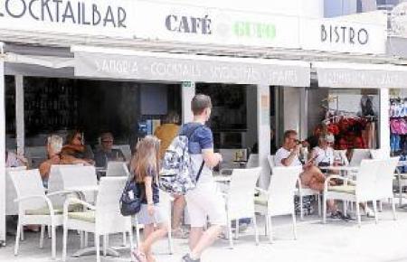 """Im Café """"Gufo"""" trifft man viele Stammgäste an."""