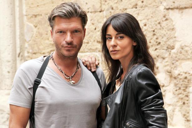 Kommissar Toni Costa (Hardy Krüger jr.) und seine Kollegin Elena (Edita Malovcic) müssen den Fall eines ermordeten Kochs aufklären.