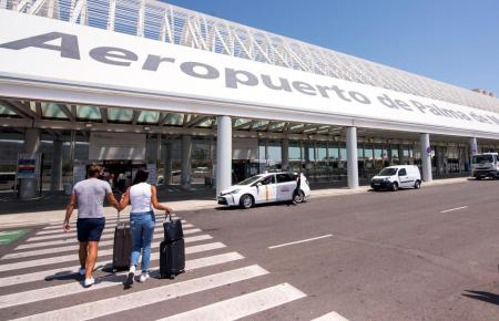 Anders als auf dem Archivbild ist der Flughafen von Mallorca recht voll.