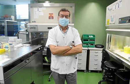 Jordi Reina an seinem Arbeitsplatz im Son-Espases-Krankenhaus.