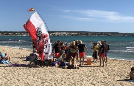 Kölsche Gäste an der Playa de Palma (Archivbild).