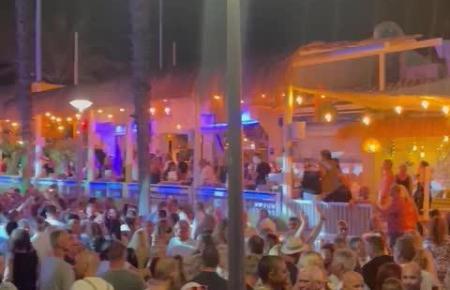 Illegale Party an der Playa de Palma.