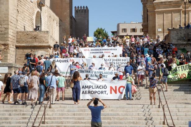 Proteste gegen den Ausbau des Airports Mallorca.