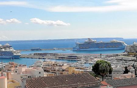 Am Samstag sah es im Hafen von Palma fast wie vor der Pandemie aus.