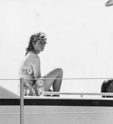 Lady Di im Bikini