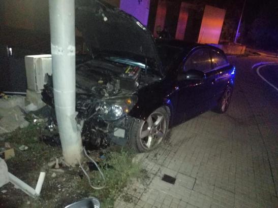 Das Fahrzeug der Frau wurde schwer beschädigt.