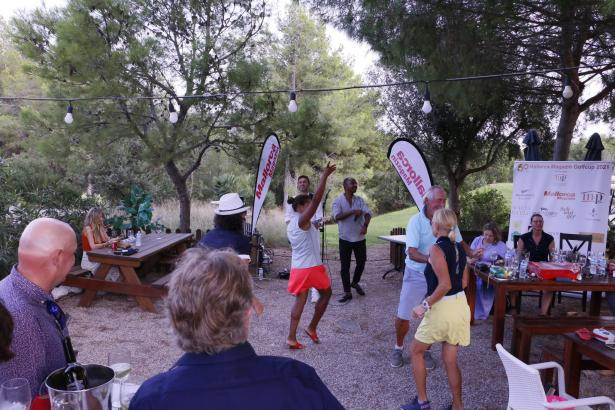 Am Ende haben einige der Teilnehmer das Tanzbein geschwungen.