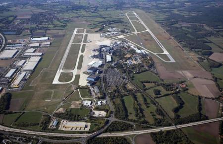 Luftbild vom Flughafen Hannover.