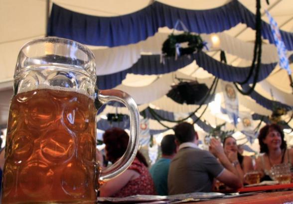 Archivfoto von einem Oktoberfest im momentan geschlossenen Mega-Park vor Corona.