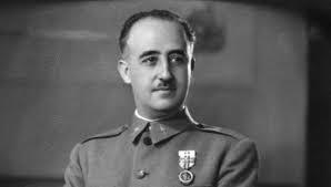 Ein Porträtfoto des spanischen Diktators Franco in seinen frühen Jahren.