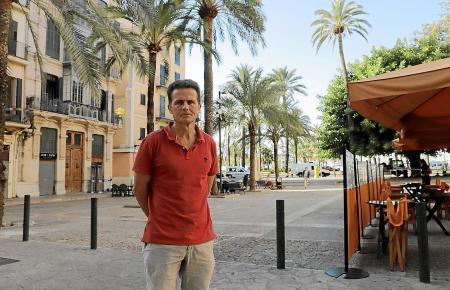 """Nachbarschaftspräsident Jaume Herrero auf der """"Plaza de la Llonja"""""""