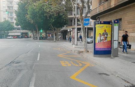 An der Plaça Es Fortí beispielsweise wartet kein Taxifahrer auf Fahrgäste.