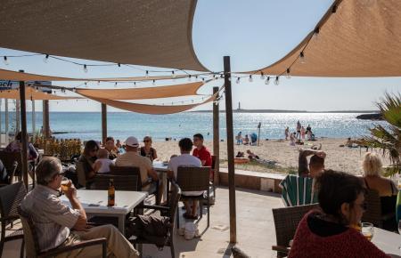Auch Menorca war bei den Reisenden sehr beliebt.