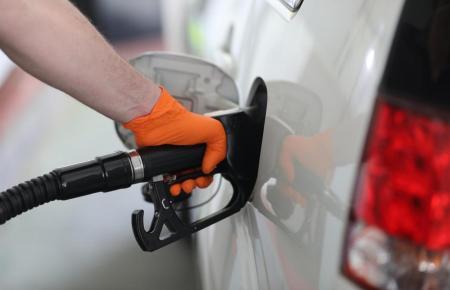 Benzin ist derzeit ausgesprochen teuer.