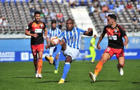 Vinícius Tanque gelang gegen Sabadell ein Doppelpack für seine Blau-Weißen von Atlético Baleares.