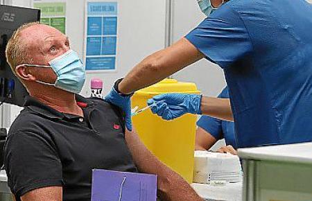 81,71 Personen über zwölf Jahren auf Mallorca sind bereits gegen das Virus geimpft.