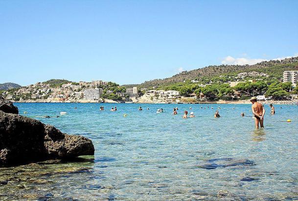 Der Strand La Romana in Peguera