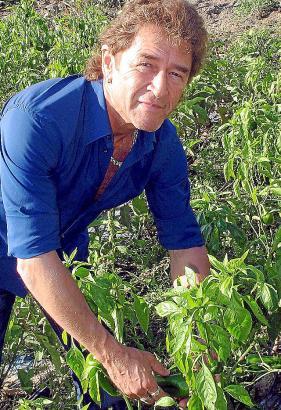 Peter Maffay auf seiner Finca Can Sureda bei Pollenca