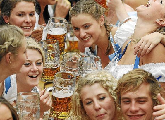 fiesta popular en la que se beben más litros de cerveza de todo el mundo