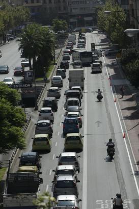 ATASCO EN LAS AVENIDAS A LA VUELTA DE LAS VACACIONES POR EL CARRIL BICI Y LAS OBRAS.